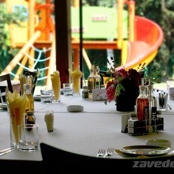Детски кът в градината на ресторант Фантазия