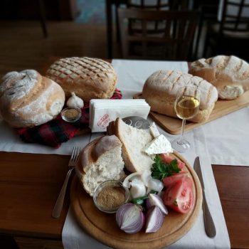 Прясно изпечен хляб ресторант Фатназия